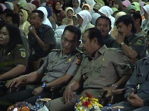 Kapolres Kuningan bersama Bupati Kuningan H. Aang Hamid Suganda