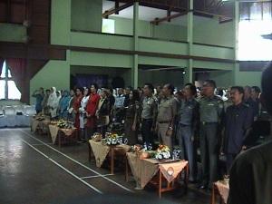 Bupati beserta undangan yang hadir dalam acara memperingati Hari Ibu