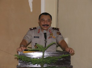 Kapolda Jabar Irjen Pol Drs. Timur Pradopo saat memberikan arahan kepada anggota jajaran Polres Kuningan