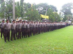 Peserta Apel Gelar Pasukan Pam Pelantikan Bupati/Wakil Bupati Kuningan Th. 2008