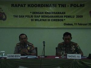 Kapolwil Cirebon Drs. H.M. Nasser Amir, MBA saat memimpin Rakor TNI-Polri tingkat Polwil Cirebon
