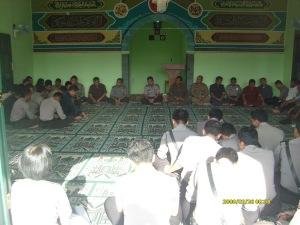 Kapolres dan anggota jajaran Polres Kuningan membacakan Asmaul Husna