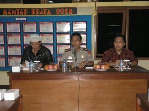 Kapolres bersama Ketua Panwaslu dan Ketua KPU Kab. Kuningan dalam rangka Rakor Para Ketua Parpol