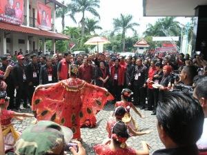 Penyambutan Ketua umum PDI P Hj. Megawati