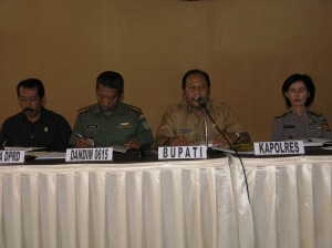 Bupati Kuningan didampingi Dandim 0615 Kuningan, Wakil Ketua DPRD Kab. Kuningan dan Kapolres Kuningan